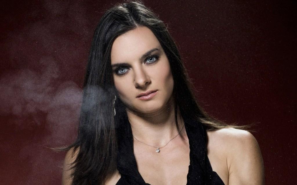Yelena-Isinbayeva-Salto-Rusia Maple Mag