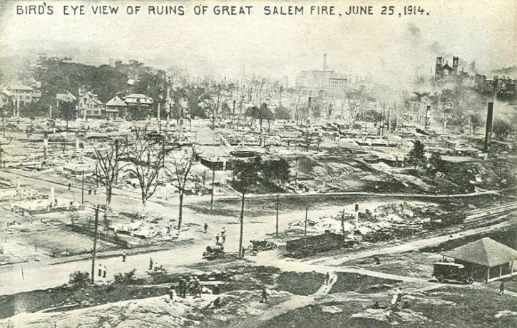 Bird's-eye view of ruins of Great Salem Fire, June 25, 1914