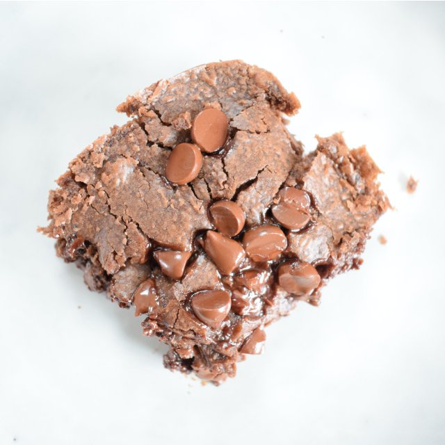Plated Brownie Square