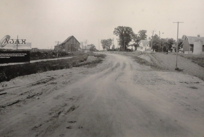 This 1927 photo shows the Ickler farm where 3M built their Central Research laboratory in 1955. The dirt road is highway 12 that later became I-84