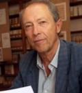 M. Jean GUILAINE Successivement Directeur de Recherche au CNRS, Directeur d'études à l'Ecole des Hautes Etudes en Sciences Sociales, est depuis 1994 Professeur au Collège de France. Ancien Directeur de la revue « Gallia-Préhistoire » (1986-1994). Président de la Commission de l'Union Internationale des Sciences Préhistoriques et Protohistoriques où il siège au Comité Permanent et Comité Exécutif.