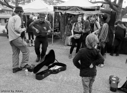 Buskers at the Salt Spring Saturday Market