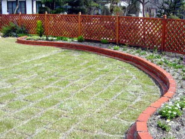 芝生の庭をDIYしたら費用はいくらかかる?【我が家の費用大公開】