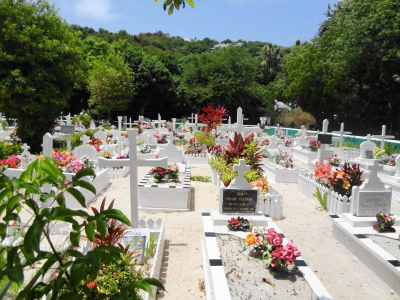 what to do in St Barts - downtown cemetary