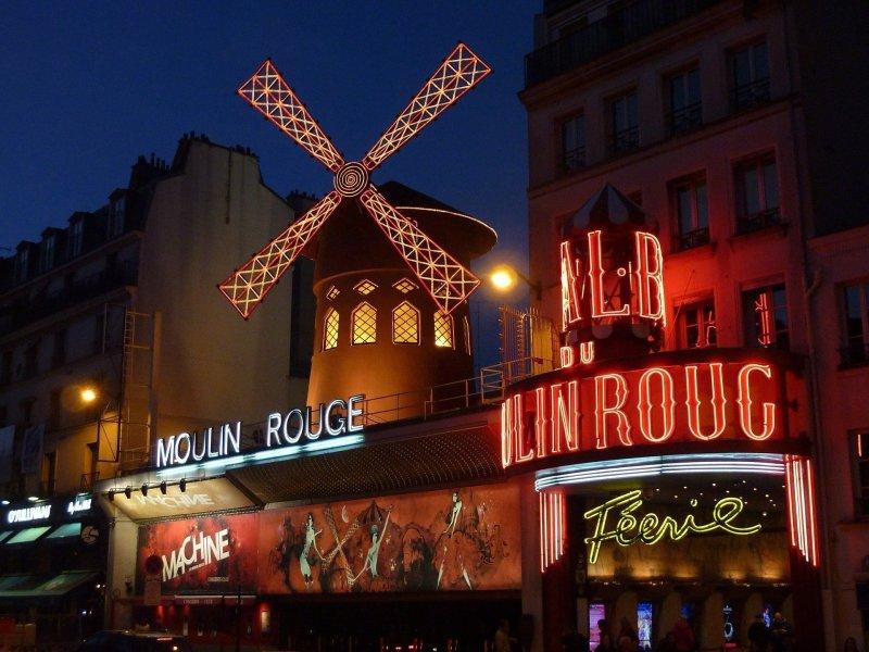 Paris bucket list - Moulin Rouge