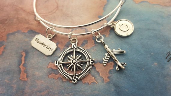 personalized travel gifts; customizable travel gifts for every budget; what to buy someone who loves travel