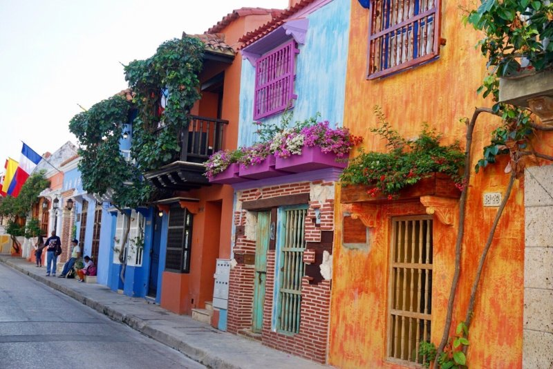 3 days in Cartagena, Colombia | colorful buildings