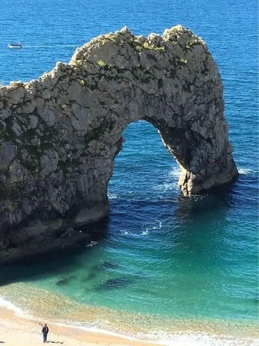 durdle-door-arch-Angela-Exploring-Dorset-Best-Hiking-in-the-UK