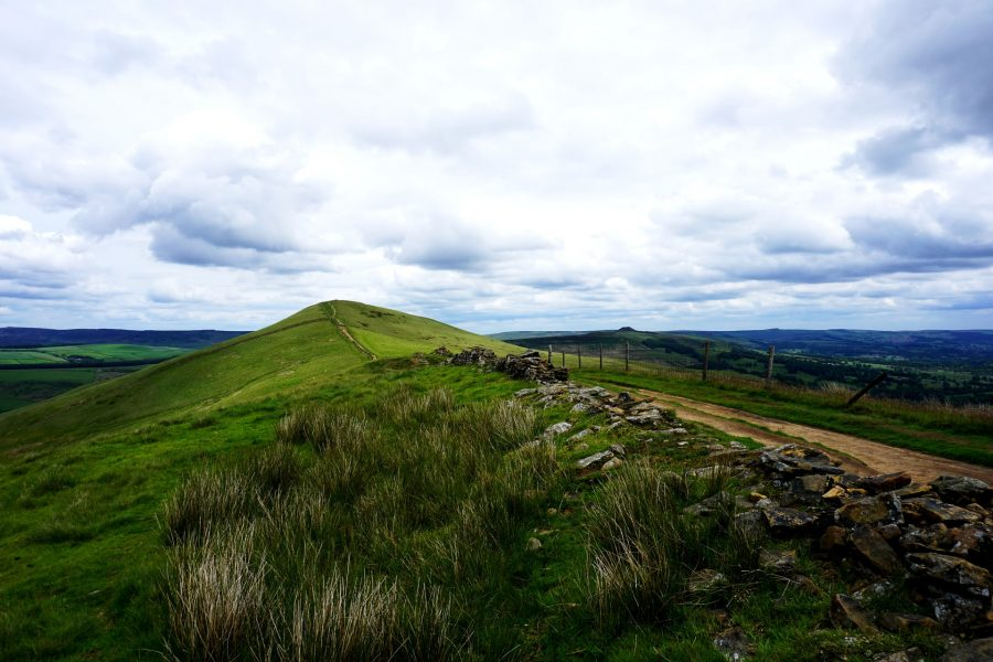 Best-Hiking-in-the-UK-Peak-District-England