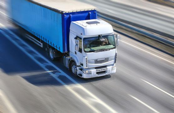 Trucks_White_Motion_453712