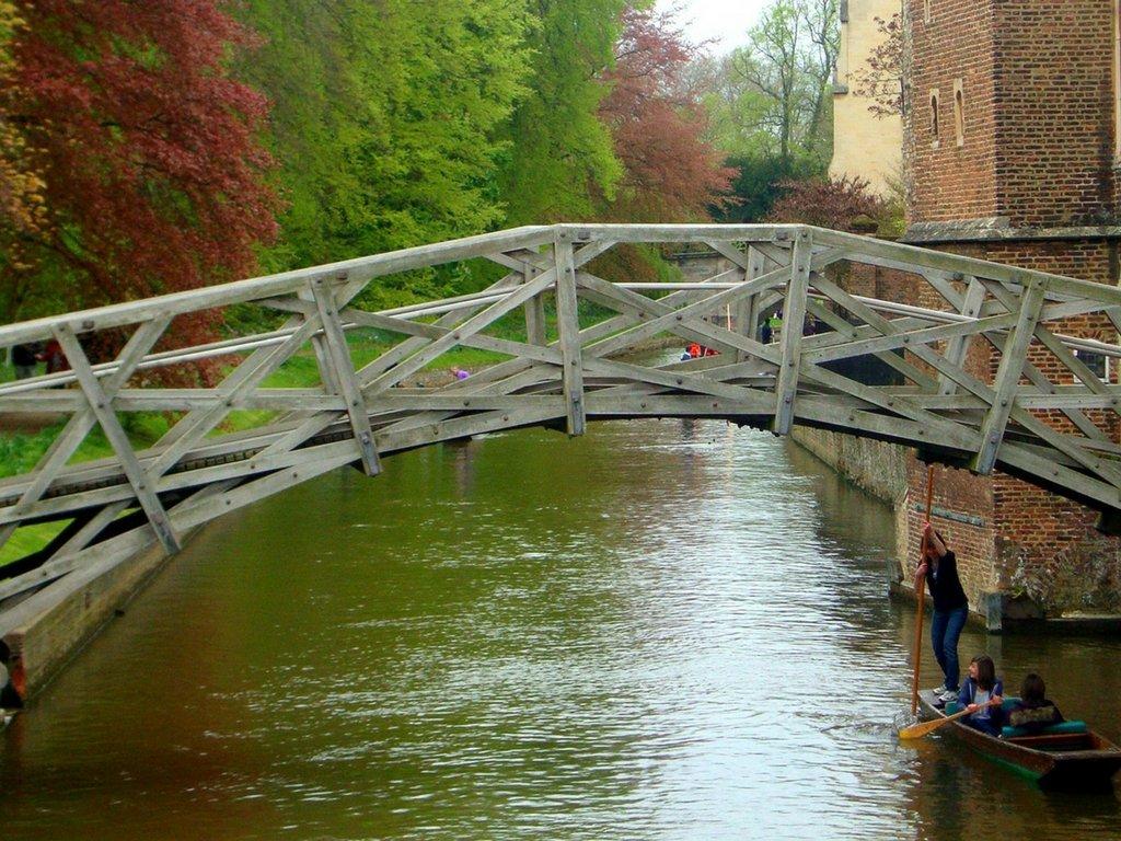 cambridgeshire-mathematical-bridge