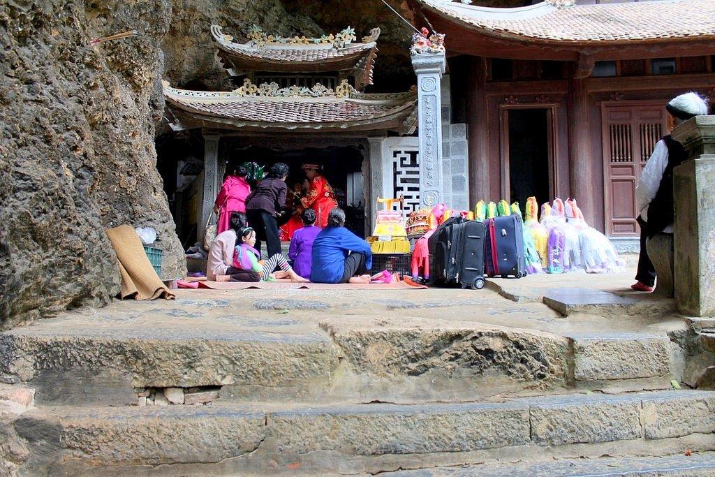 Bích Động in Tam Coc village