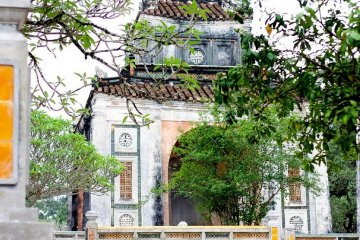 imperial-tombs-of-hue-vietnam