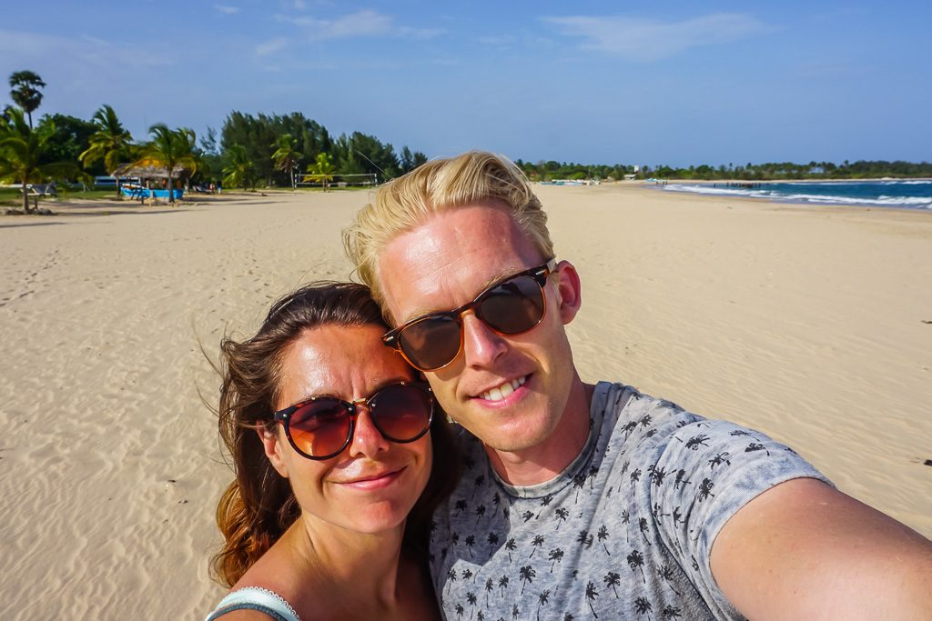 finding beyond darrent and shelly Travel Blogger Couples