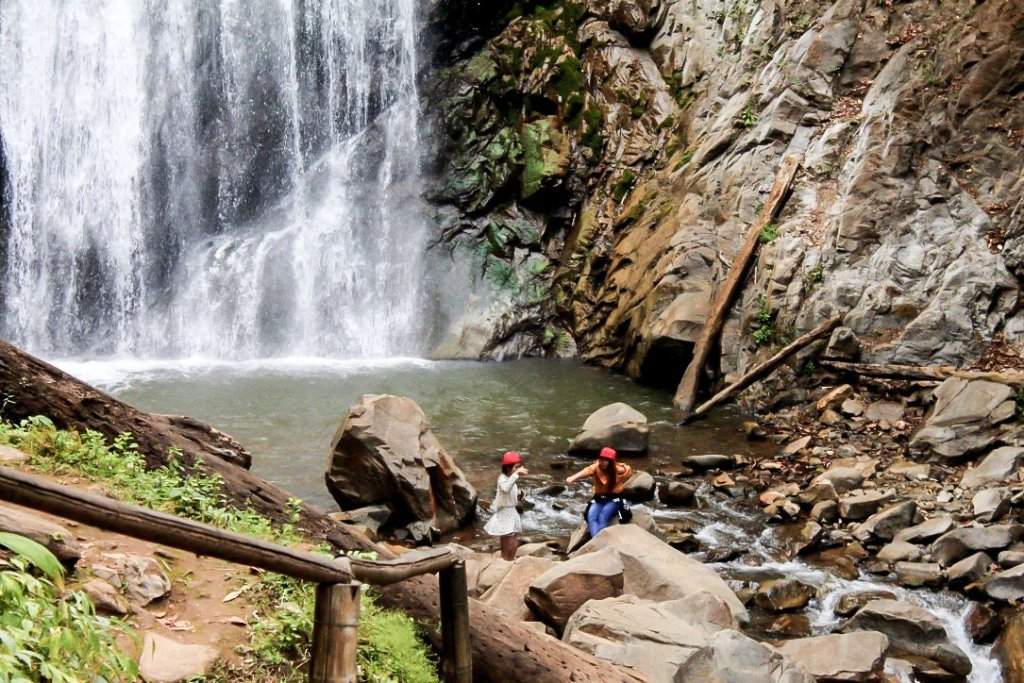 Khun Korn Waterfall, chiang rai travel guide