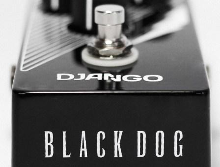 Django Pedais Black Dog Fuzz
