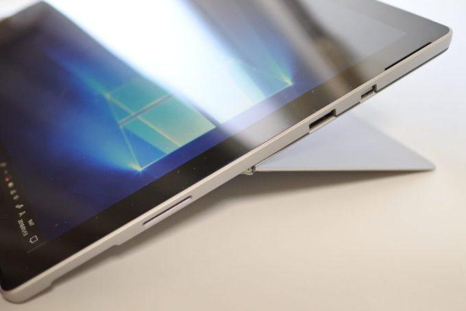 Surface Proのスタンド