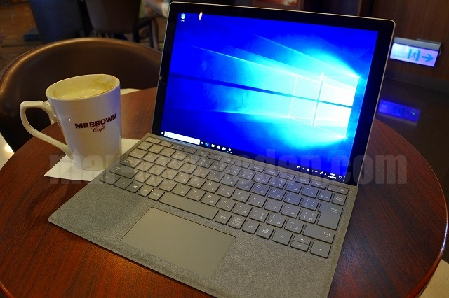 Surface Pro LTE Advanced台湾カフェ
