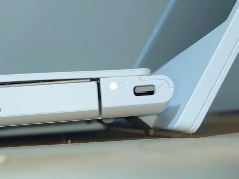 【実機レビュー】NECノートパソコンLAVIE Direct N15の口コミ評価&評判まとめ PC-GN244RUAN リフトアップヒンジ