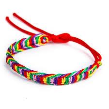 Bracelet en fil rouge du Médium Marabout voyant Grand Prête Vaudou Kokouvi.