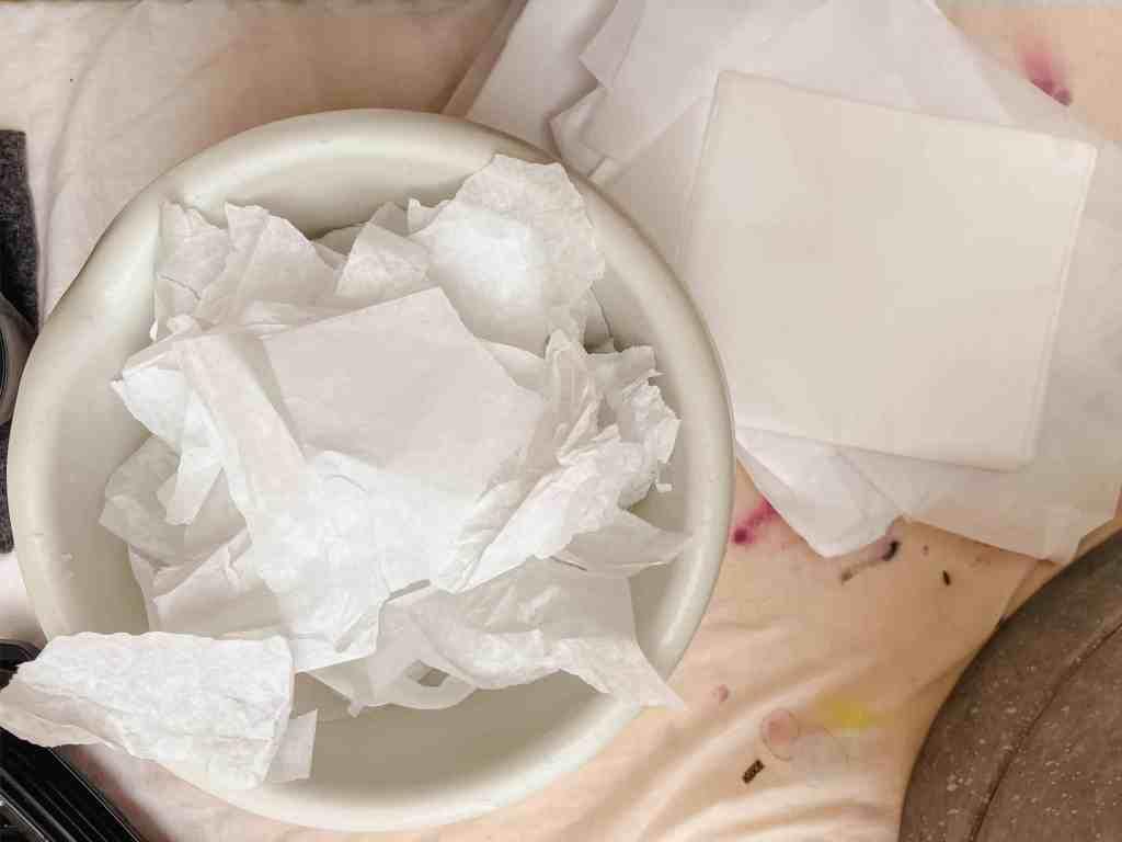 diy papier schöpfen, seidenpapiere zerkleinern