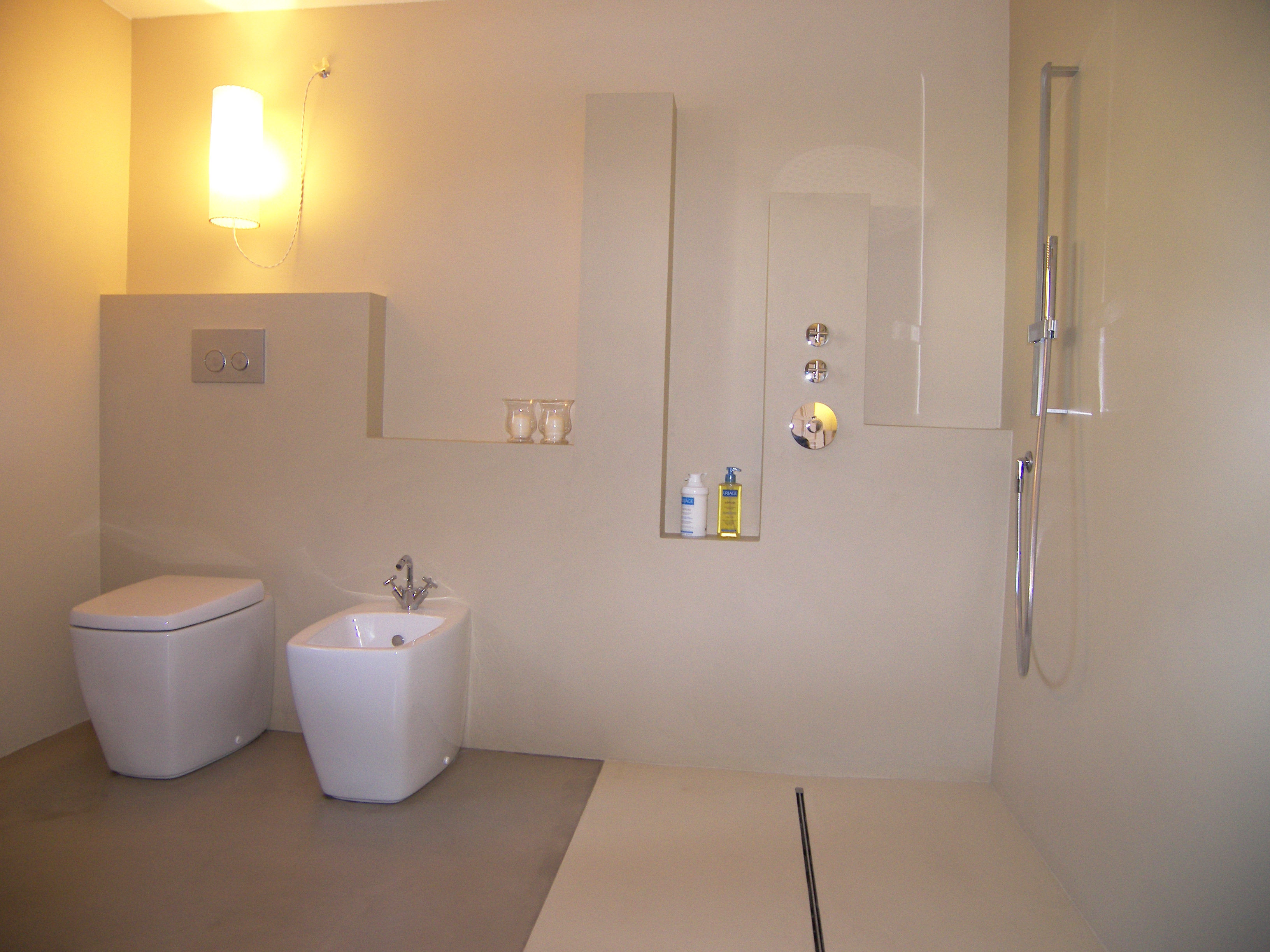 excellent interior design bagno with resina in bagno