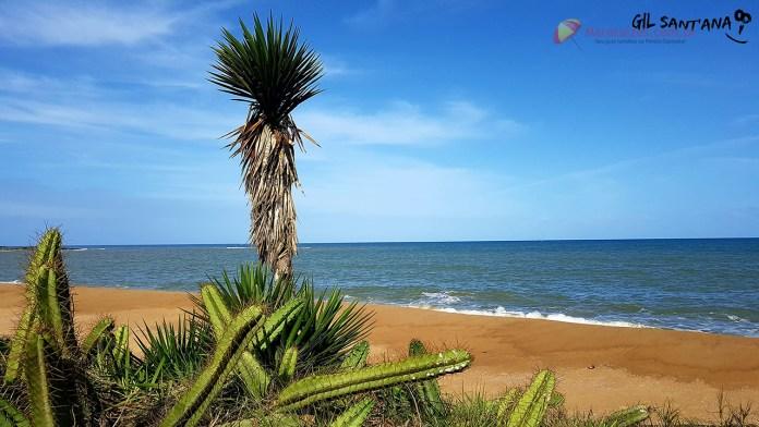 Praia dos Namorados na Barra em Marataízes