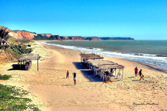 Praia do Micinho em Marataízes. Um encontro com a natureza!