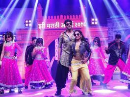 shiv-and-gauri-during-zee-marathi-awards-2016-zee-marathi-awards-2016