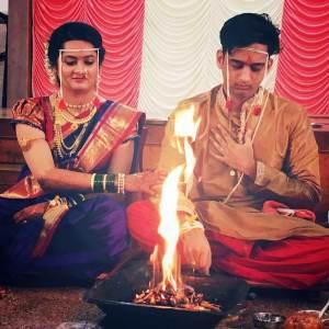 Amey Wagh Marriage Photos, Amey Wagh Wedding Photos, Amey Wagh Wife Sajiri Deshpande Photos Images Marathi Actor Marriage Amey Wagh with wife.