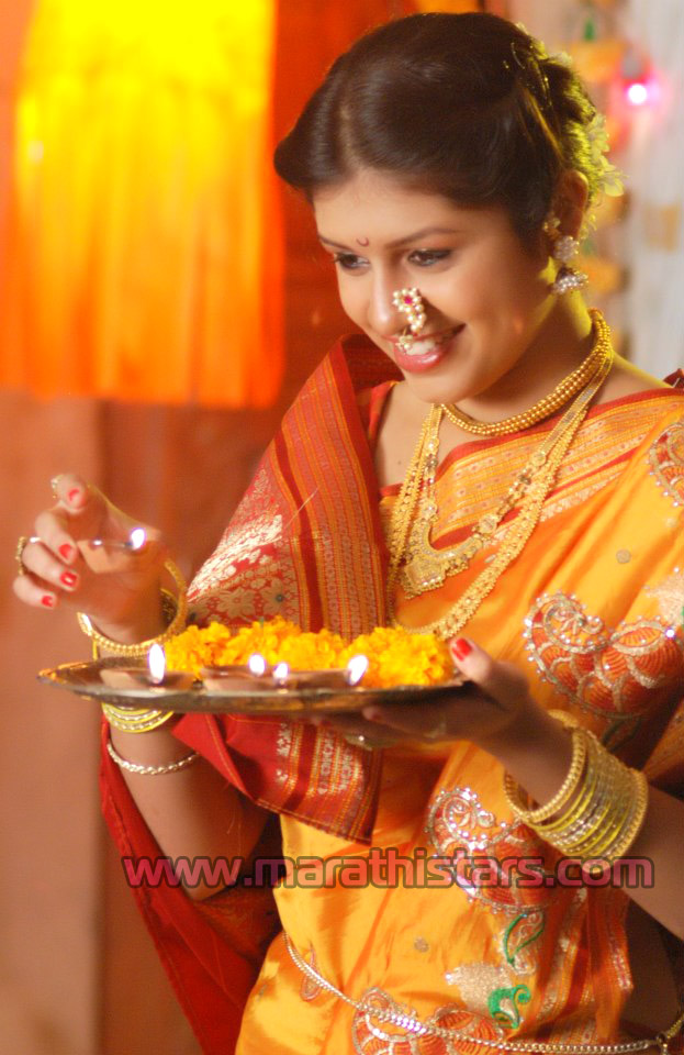 College Girl Hd Wallpaper Sanskruti Balgude Marathi Actress Photos Biography
