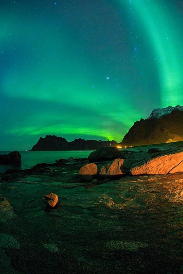 Aurora borealis on Utakleiv beach