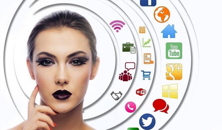 Mujeres y redes Sociales