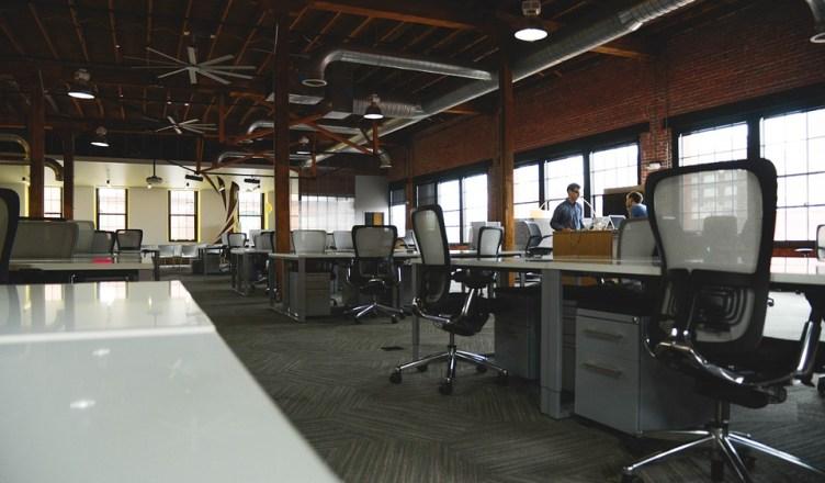 sillas en despacho