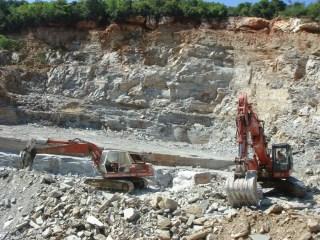 akrolithos-quarry