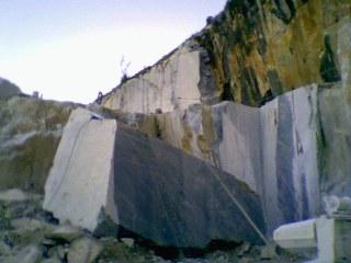 galleni-marmi-quarry