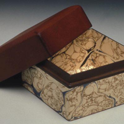 Jake Benson, Columbia, South Carolina, Neftli paper, calfskin inner lip and lid., 4 x 5.25 x 5.25 in