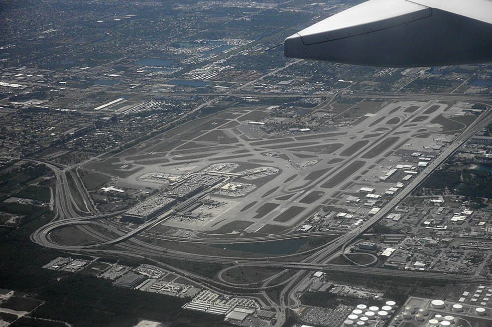 1024px-Fort_Lauderdale,_Florida_-_FLL_from_airplane-ee27b5a3be