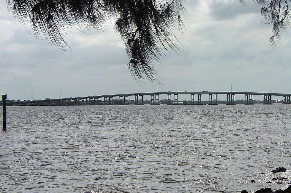 1280px-Cape_Coral_Bridge-85a3ddc84b