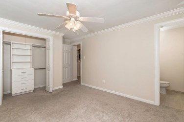2nd Floor - Master Bed