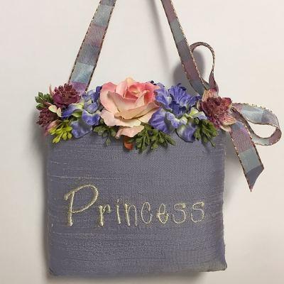 SH4-PRINCESS-Princess-Sachet-in-Lilac-Silk