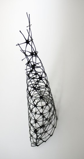 Driehoeksvergelijking (Miro) - 30 x 20 x 44 cm.