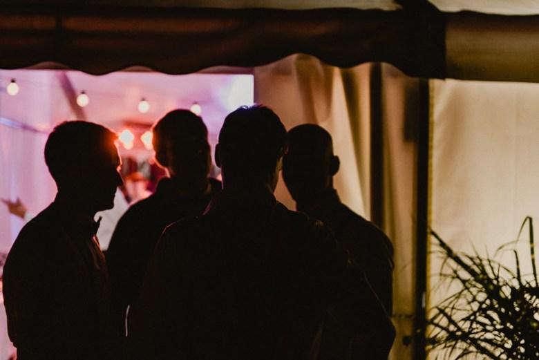 Hochzeitsfotograf Bischofswerda Schiebock Zelthochzeit rustikal 039 Feiern unterm Sternenhimmel Zelthochzeit, verliebt, Shooting, Reportagefotografie, Reportage, Paarshoot, Paar, Oberlausitz, Liebe, Hochzeitsfotografie, Hochzeit, Fotoreportage, Fotografie, Fotograf