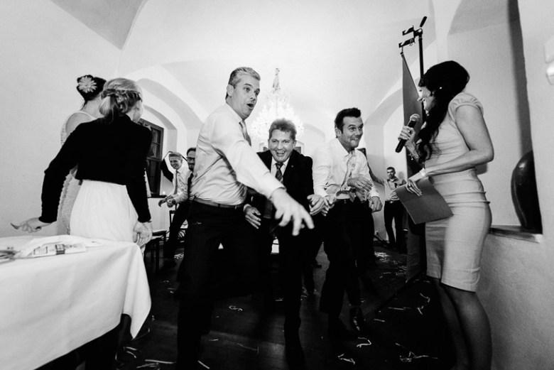 Hochzeitsfotograf Dresden Schloss Scharfenberg Flashmob Hochzeit 046 Alex & Nadine heiraten auf Schloss Scharfenberg verliebt, Shooting, Scharfenstein, Reportagefotografie, Reportage, Paarshoot, Paar, Liebe, Hochzeitsfotografie, Hochzeit, Fotoreportage, Fotografie, Fotograf, Foto, Engagement, Dresden