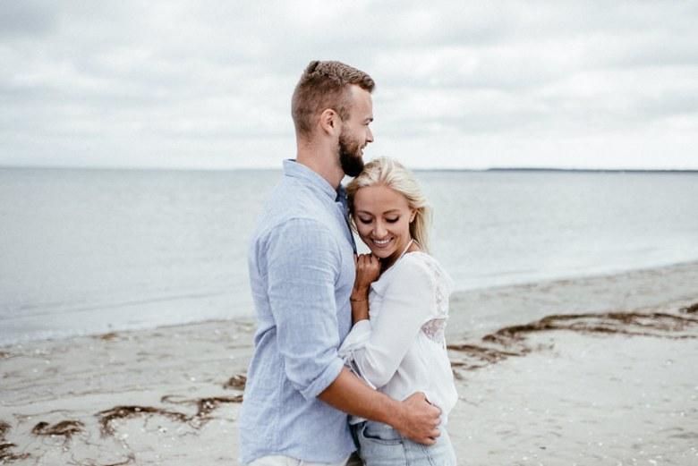 Hochzeitsfotograf Ostsee Ruegen Usedom Strand Paarshooting Engagement 003 Eine kleine Ostseebriese - Kennenlernshooting am Strand