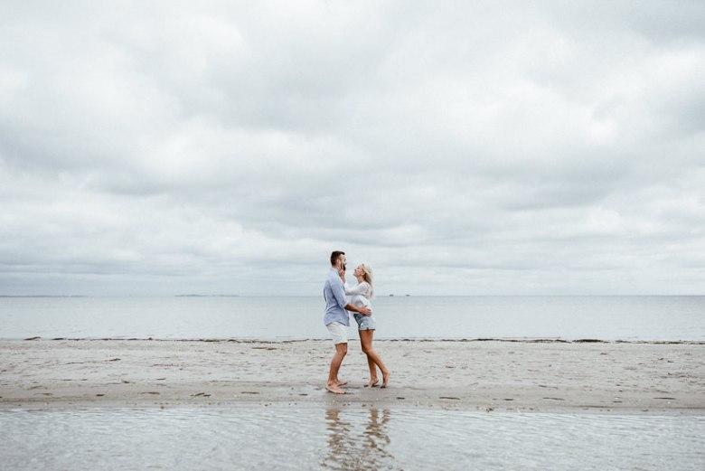 Hochzeitsfotograf Ostsee Ruegen Usedom Strand Paarshooting Engagement 019 Eine kleine Ostseebriese - Kennenlernshooting am Strand