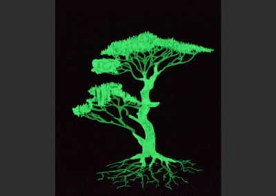 Arbre suspendu luminescent