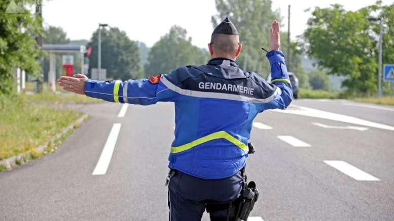 le remplacement des pneus suite à un contrôle de gendarme