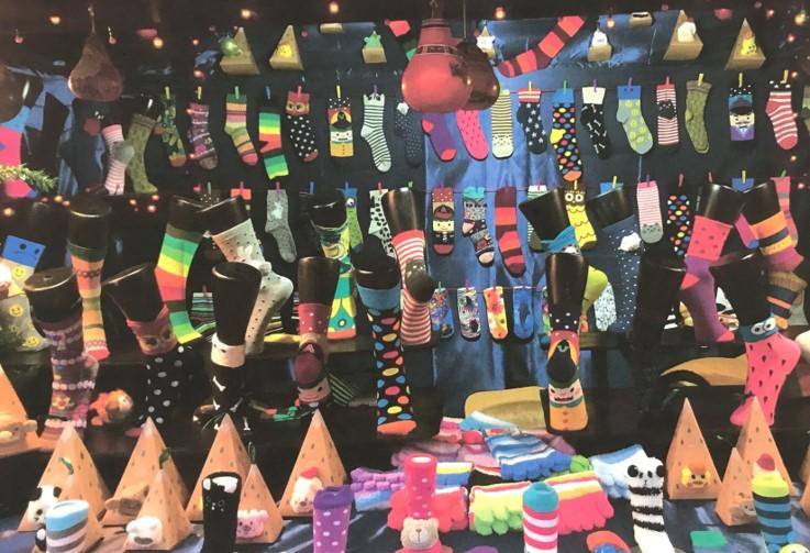 Chalet de chaussettes originales au marché de noël de Nantes