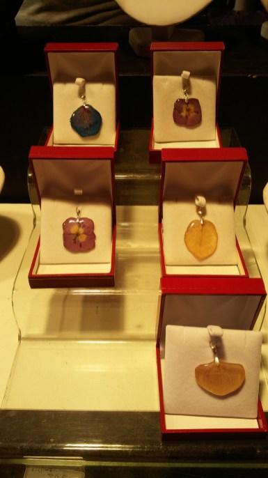 Chalet de bijouxau marché de noël d'Angers